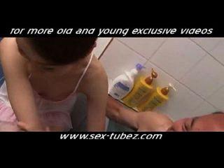 Melhor amigo da filha do papai, pornografia gratuita 28: pornografia jovens jovens jovens sex tubez.com