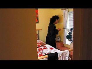 espionando mais a tia em www.69sexlive.com
