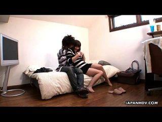 namorada asiática enganando com o galo do bf