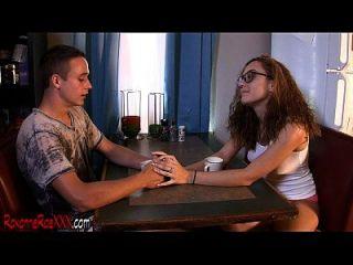 roxanne rae pegando seu companheiro de quarto Tristan doce