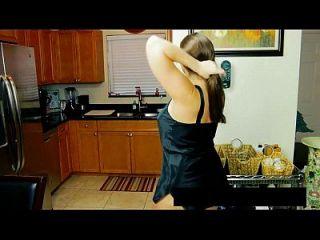 Busty, mãe fodida por não mais seu filho mais videos em www.69sexlive.com