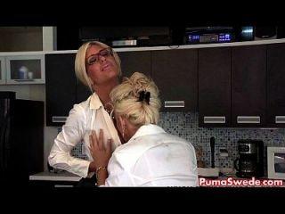 euro babe puma sueco foda a salva do escritório!