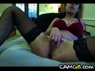 Beautiful busty babe filmes ela mesma cumming camg8