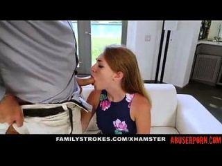 Filé linda castigada por seu padrasto e mãe ... abuserporn.com