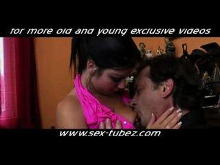 filha quente fodida por não seu pai, hd pornô 87: pornografia jovem, sexo masculino e jovem velho www.sex tubez.com