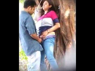 Parecida mexicana pillada en el monte|pornomexxxicano.com
