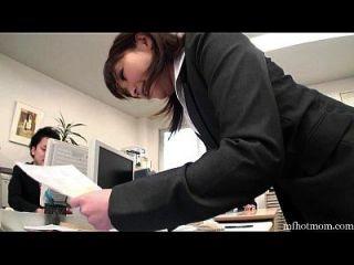 menina de escritório se masturba no banheiro na sua pausa|mfhotmom.com
