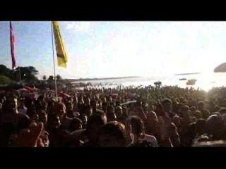 concurso de colete de verão na praia rubia en tanga