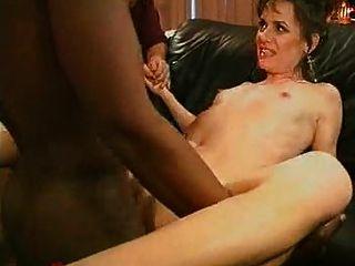 Waching sua esposa sexy fodido duro por um grande galo preto ...