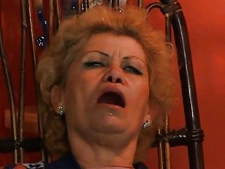 Granny effie obter assfucked por tv trocador troia leva galo duro na bunda todos os peitos maneira