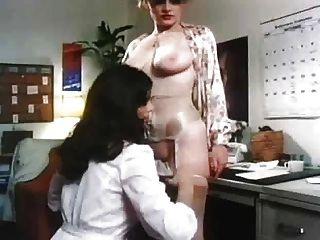 Adolescente maduro lésbica sedução vintage
