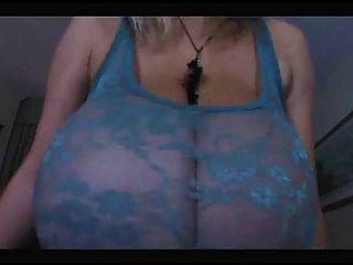 Milf quente com muito natural muito grande boobs
