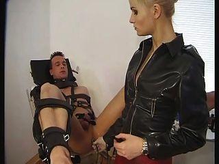Massagem de próstata femdom