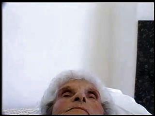 Old slut 84 anos velho ainda ama jovem galo