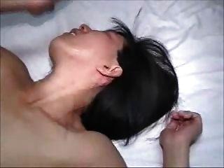 Mulher quente recebe um marido creampie fica segundos superficial