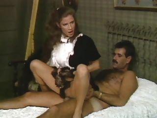 Empregada mostra a esposa como seu feito