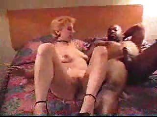 Esposa branca fodendo um cara preto