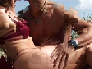 Madura com pequenos mamilos grandes mamilos fica fuck na praia