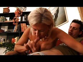 Mãe italiana loira quente