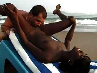 Interracial, par, sexo, praia