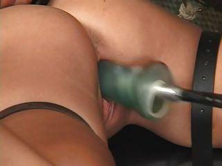 Bondage e máquinas de foder (holly wellin) 14