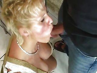 Mulheres maduras fodendo com estranho
