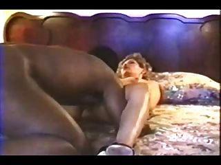 Esposa branca nervosa fucks bbc parte 2
