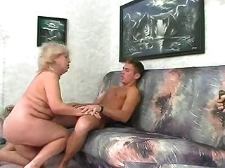 Bbw loira granny fode com o homem jovem