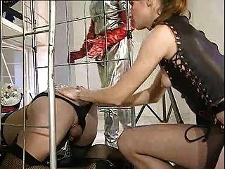 Shemale alemão triplo punho anal e fisting pé