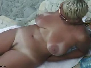 Praia nua sexy madura