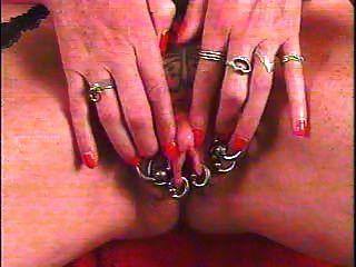 Clit grande bombeado com piercing tatuagem por snahbrandy