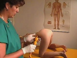 Exame gyno legal age adolescente 3