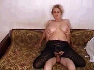 Maduras pantyhose saggy tits e ação