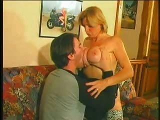 Simone quente anal maduro 50+