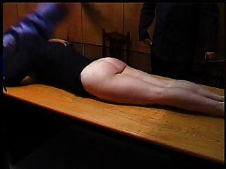 Secretária impertinente é punido com um