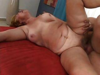 Olga 68 anos fucks carlo 32 anos de idade