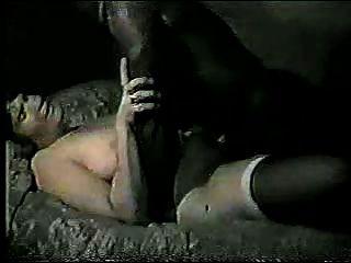Marido fica desleixado segundos depois cara negro fode sua esposa