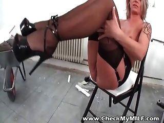 Milf amador em meias pretas