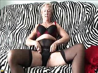 Velho 70y.o sexy, avó gosta de jogar