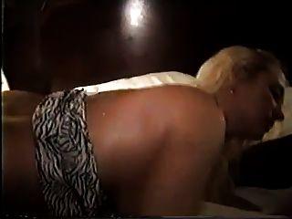 Loura esposa casada gangfucked e usado completamente 2