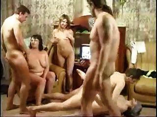 Família russian que tem uma orgia