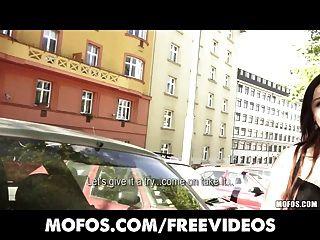 Coleções públicas sexy jovens czech ruiva é pago para strip