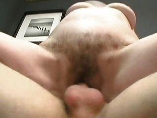 Vovó peluda recebe um facial