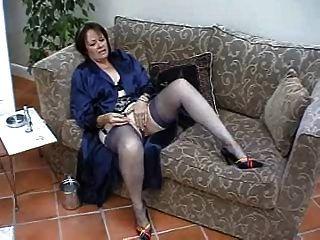 Suzie maduro solo em meias