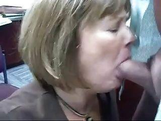 Cabeça madura # 71 (dois vids do escritório slut fazendo o seu trabalho)
