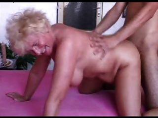 Sexy mom n102 loira bbw madura e um jovem