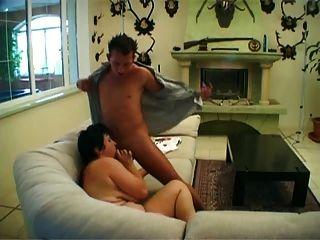 Mamã bbw obtém seu bichano peludo cheio