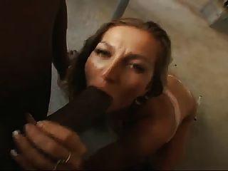 Dona de casa córnea suga cock pov preto