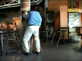 Milf francês sexo público no aeroporto
