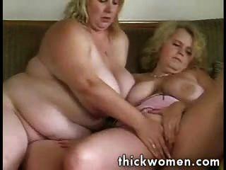 Duas meninas gordas lésbicas